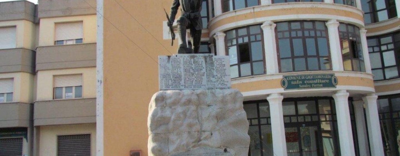 Grottaminarda, cambia la lapide del Monumento dei Caduti: consumatori all'attacco