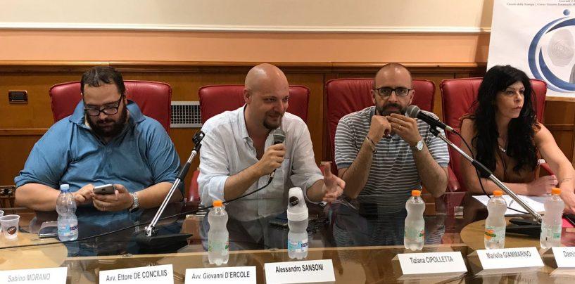 """Digitalizzazione per il controllo dei migranti, Centrodestra e Wind of Change: """"Legalità e modernità, altro che schedatura"""""""