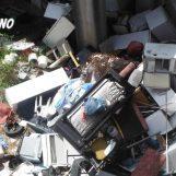 FOTO/ Scoperta discarica abusiva a Montefalcione: sequestrati più di 1000m³ di rifiuti