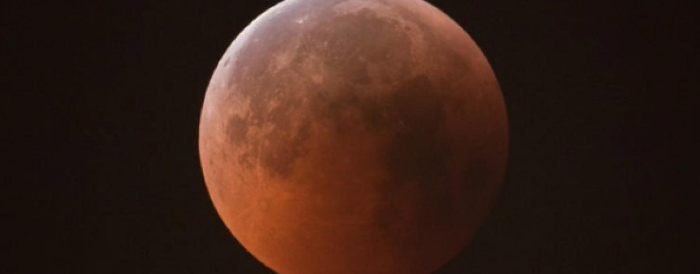 L'eclissi del secolo: ecco dove assistere alla Luna Rossa in Irpinia