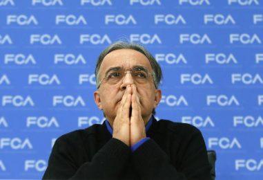 """FCA, dopo 14 anni si chiude l'era Marchionne. Elkann: """"E' in gravi condizioni, non tornerà più"""""""