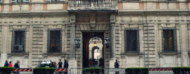 Militare campano si toglie la vita nella residenza romana di Berlusconi