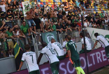L'Avellino senza campionato ferma la Roma. E i tifosi lo consolano