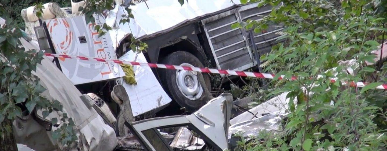 """Strage Acqualonga, il superperito accusa Autostrade: """"Scarsa manutenzione"""""""