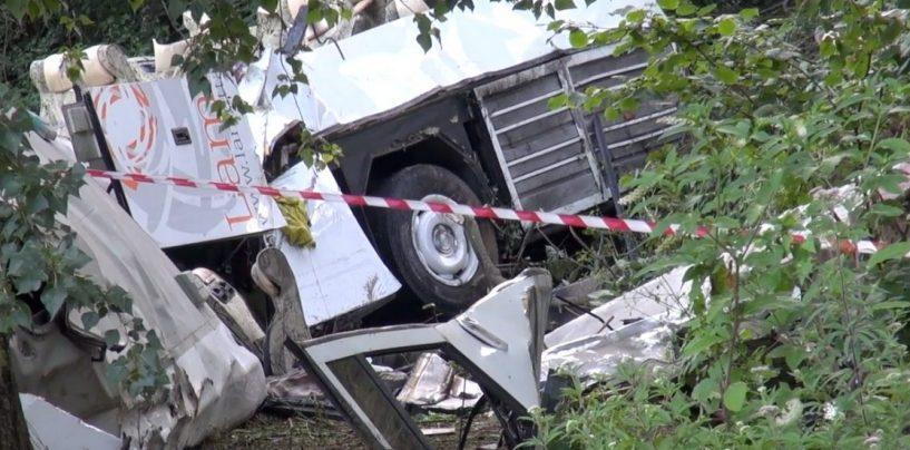 Strage Acqualonga, i familiari delle vittime chiedono la revoca della concessione ad Autostrade