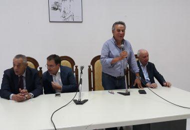 """VIDEO/ Gli anti-Di Guglielmo chiamano Martina: """"Il segretario intervenga sul Pd irpino"""""""