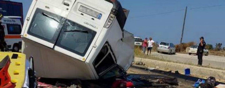 Incidente stradale nel foggiano: muoiono in dodici, erano tutti migranti