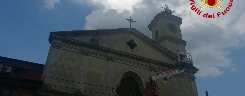 Cadono calcinacci dalla Chiesa di San Generoso, area messa in sicurezza