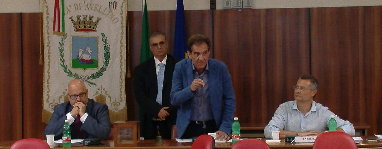 """Scontro Ciampi-consiglieri, Maggio invita alla calma: """"Servono comportamenti più civili"""""""