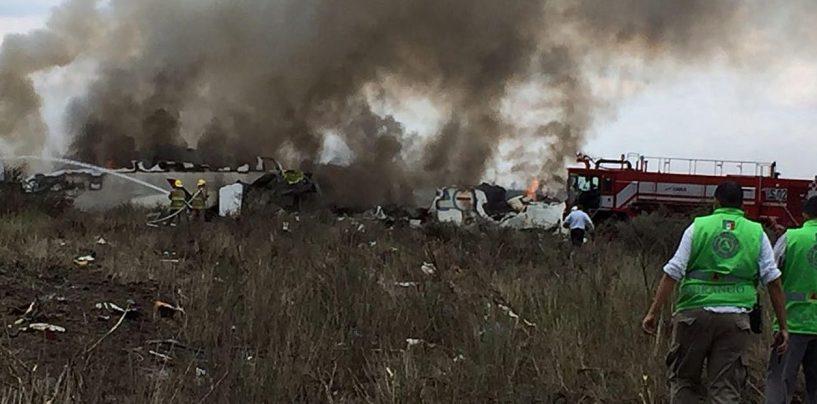 Messico, aereo si schianta dopo il decollo: 85 feriti