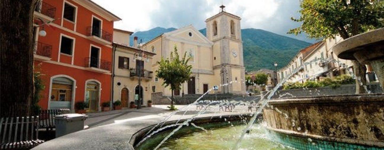 """Nuova illuminazione e nuovo parco giochi per Montella, l'assessore Della Polla: """"Tuteliamo le zone rurali"""""""
