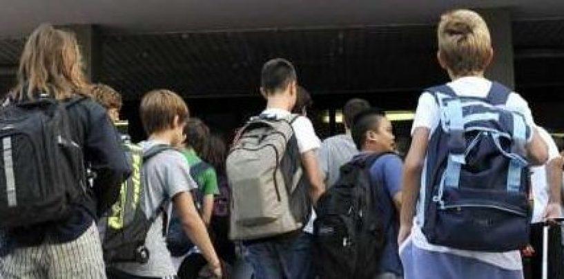 Studenti, oltre 1000 euro di spesa per il 'corredo scolastico'
