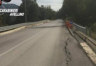 Cede parte del ponte, chiusa al traffico la provinciale Montefalcione – Serra