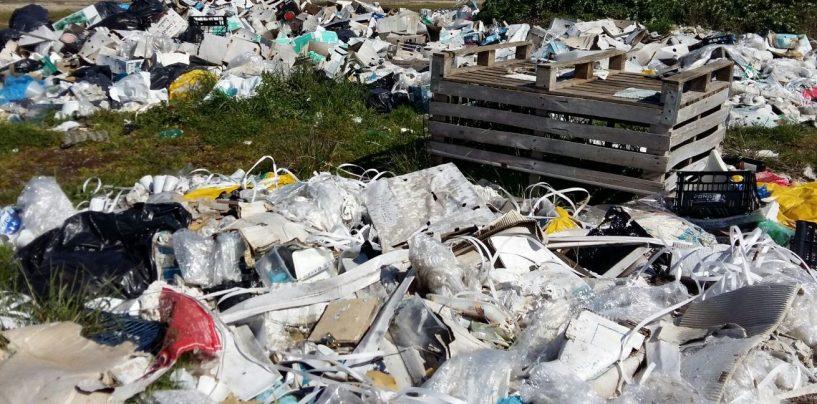 Amianto e rifiuti speciali seppelliti nel beneventano: due arresti ed una denuncia
