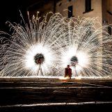 """Giullarte continua con """"La Festa dei Folli"""": artisti di strada insieme per uno spettacolo unico"""