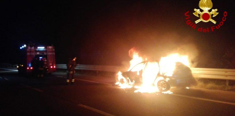 Paura in autostrada: auto in fiamme sulla Napoli-Canosa