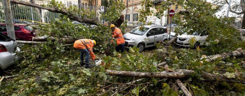 VIDEO/ Emergenza maltempo: tre morti nel Lazio e uno a Napoli