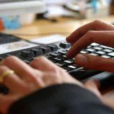 Porno-ricatti via web: tre giovani nei guai