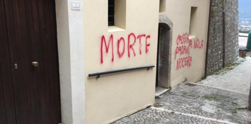 FOTO/ Santo Stefano del Sole imbrattata con vernice rossa. Presunto autore si barrica in casa