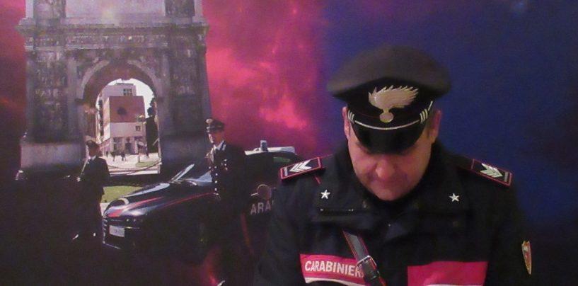 Minaccia tabaccaio con un coltello per l'incasso della giornata: arrestato