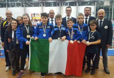 Karate, medaglia d'oro a due giovani campioni irpini