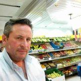 VIDEO/ Frutta e verdura tutte le sere: ecco Michele, il fruttivendolo più generoso d'Irpinia