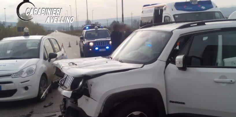 Scontro frontale tra tir e auto: famiglia in ospedale