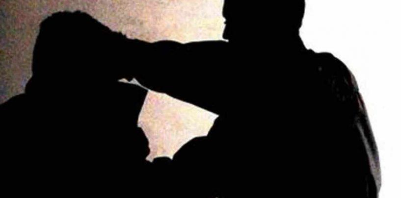 Minaccia e aggredisce l'ex amico dopo la fine della sua storia d'amore: 35enne nei guai per stalking