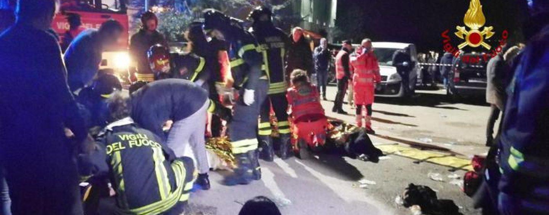 Il concerto di Sfera Ebbasta si trasforma in tragedia: sei vittime e centinaia di feriti