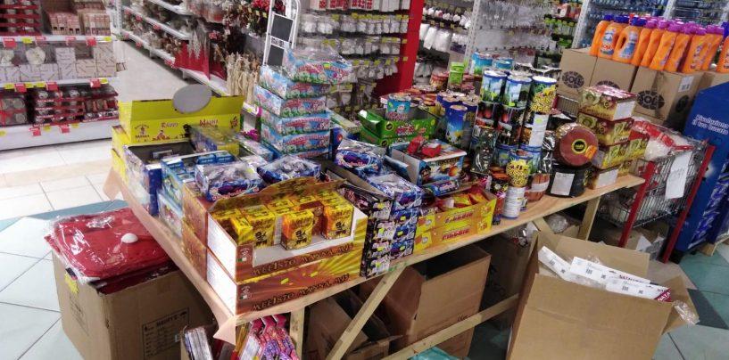 Natale sicuro, la Guardia di Finanza sequestra 6 quintali di fuochi d'artificio