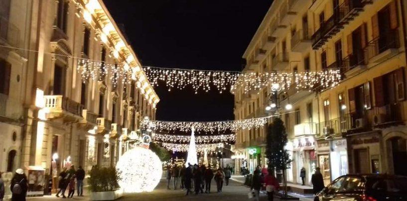 Un villaggio per i bambini, un albero alto 23 metri in Piazza: prende forma il Natale avellinese