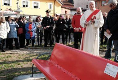Serino, danneggiamento Panchina rossa: presi i responsabili e recuperata la targa commemorativa