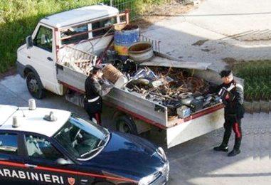 Trasportava rottami senza autorizzazione, nei guai un giovane marocchino