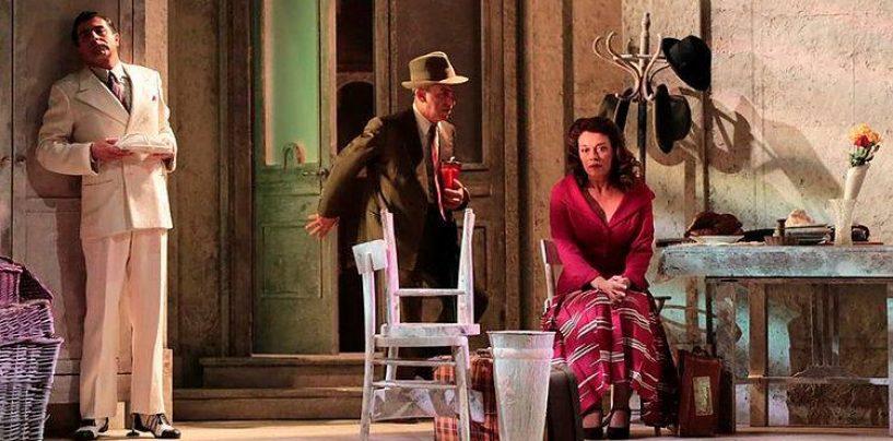 Il Teatro Gesualdo porta in scena De Filippo: appuntamento per sabato 12 e domenica 13 gennaio