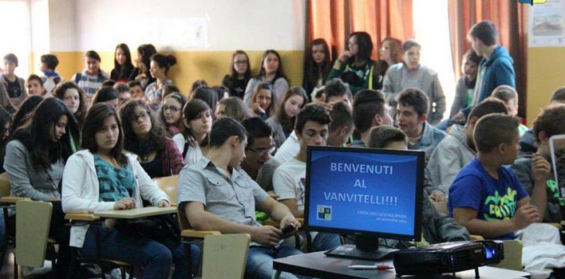"""Open Day al Vanvitelli di Lioni, orientamento e opportunità di """"vivere"""" la scuola"""