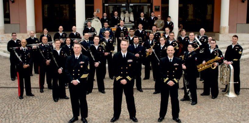 Musica a stelle e strisce al Cimarosa con la band ufficiale della Marina militare americana
