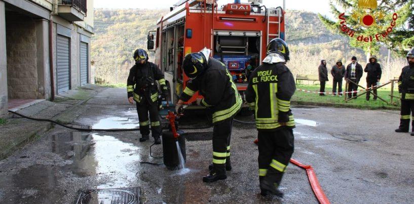 Montoro, famiglie sgomberate dopo l'incendio: sopralluogo per accertare la sicurezza statica