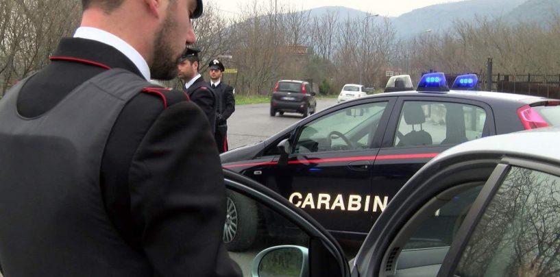 Chianche. Auto contro un muretto resta incastrata tra le barre del passaggio a livello: intervento dei carabinieri