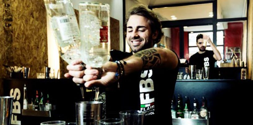 """""""Flair bartending"""", l'arte per diventare un barman di successo"""