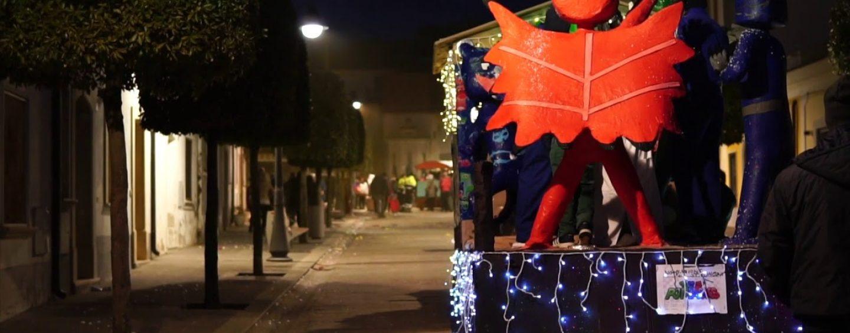 Carnevale in Irpinia, a Savignano si rinnova la tradizionale sfilata dei carri