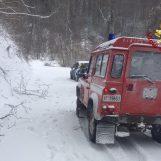 FOTO/ Maltempo, danni e paura in Irpinia: famiglia messa in salvo dai vigili del fuoco