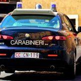 Bomba contro palazzo e colpi di pistola in aria a Napoli