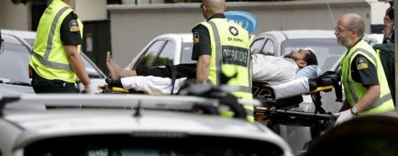 Due attentati contro immigrati, almeno 40 i morti in due moschee della Nuova Zelanda