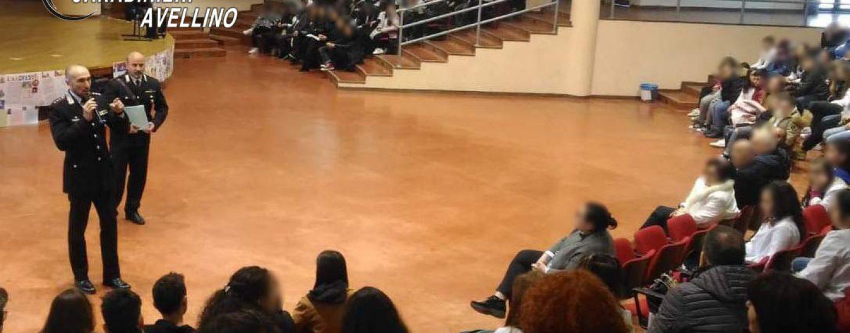 Educazione alla legalità, studenti a lezione dai Carabinieri