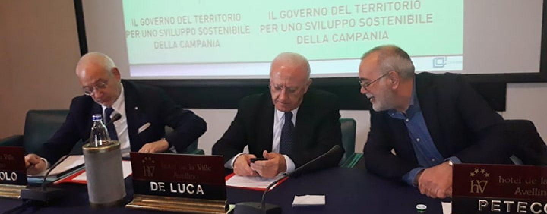 """De Luca: """"Lioni-Grottaminarda, la Regione è pronta"""". E sul lavoro sferza il Governo"""