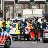 """Spari su un tram in Olanda, un morto e diversi feriti. La polizia: """"Possibile movente terroristico"""""""
