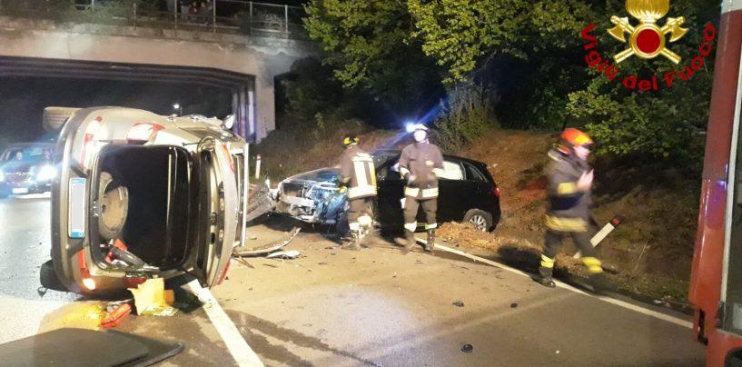 Grave incidente sulla Variante, donna finisce in ospedale