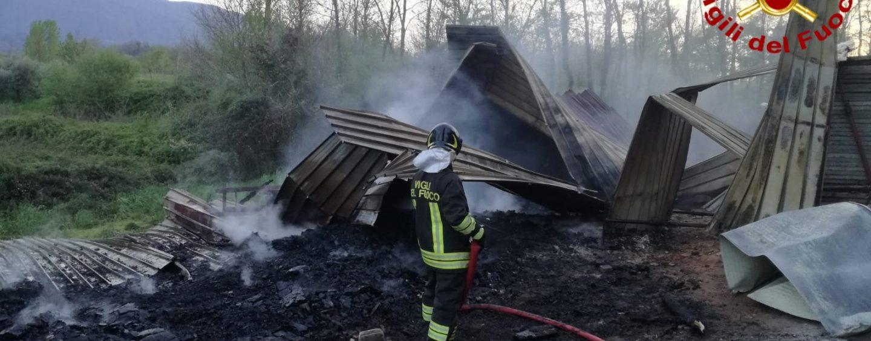 Brucia una vecchia fornace: tanta paura ma nessuna persona coinvolta