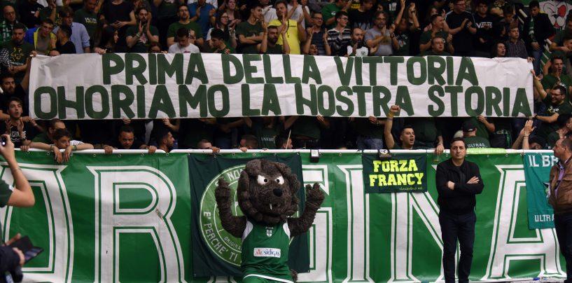 """Crisi Sidigas, gli Original Fans si mobilitano: """"Salviamo la Scandone, la società è sana"""""""