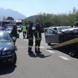 VIDEO/ Incidente sul raccordo Avellino-Salerno, ragazzo ferito